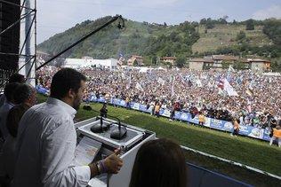 Salvini promet à ses fidèles de reprendre les ministères perdus