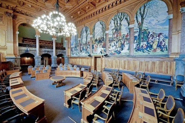 La salle du Conseil des Etats où les élus du 10 novembre prochain représenteront Fribourg.  © Aldo Ellena