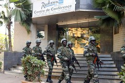 Attaque du groupe djihadiste EI au Mali: 49 soldats tués