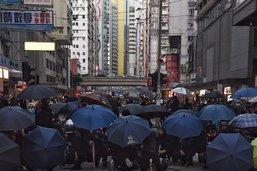 """Le président chinois a """"confiance"""" en la dirigeante de Hong Kong"""