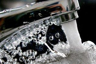 Les distributeurs d'eau soleurois veulent interdire un pesticide