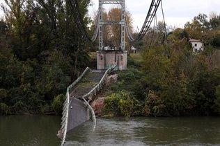 Pont effondré en Haute-Garonne: le poids du camion en question