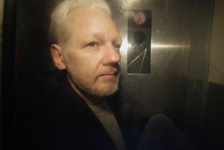 Le parquet abandonne les poursuites pour viol contre Julian Assange