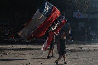 Les manifs se poursuivent au Chili, nouveaux incidents violents