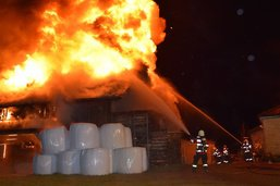Grange détruite par le feu à Waldstatt (AR)
