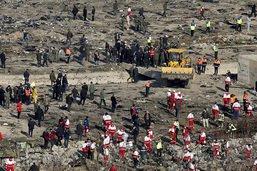 Boeing abattu en Iran: deux missiles auraient touché l'appareil