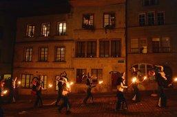 Le cortège de nuit devient une tradition du carnaval des Bolzes