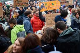 Les jeunes mettent hors jeu les partis politiques