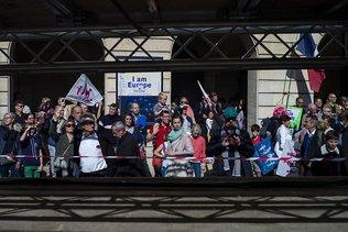 France: manif contre l'accès des couples de femmes à la PMA
