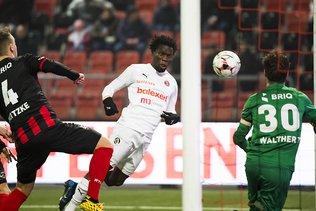 Derby romand: Servette gagne 2-1 à Neuchâtel contre Xamax