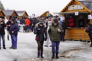 9e Fête du Froid à La Brévine: baignade dans le lac gelé