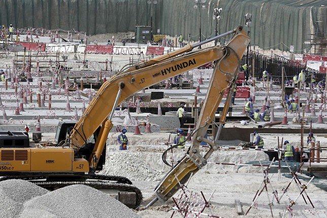 Qatar: les salaires des travailleurs étrangers ne sont pas garantis
