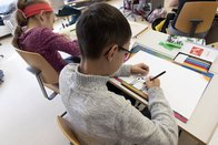 Les écoliers fribourgeois pourront prendre des demi-jours de congé