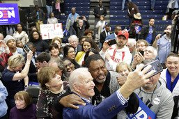 Primaires démocrates: Biden remporte la Caroline du Sud