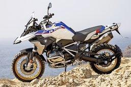 Motos et scooters maintiennent le cap