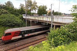 Pose du nouveau pont CFF à Fribourg en fin de semaine