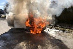 Une voiture a pris feu à Châtel-St-Denis