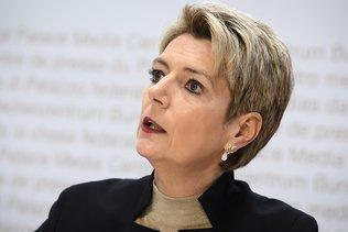 Karin Keller-Sutter opposée à un confinement total