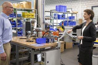 Simonetta Sommaruga en visite dans les entreprises du Jura bernois