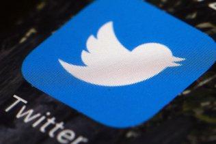 """Trump menace de """"fermer"""" les réseaux sociaux"""
