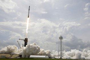 La capsule avec deux astronautes à bord s'est amarrée à l'ISS