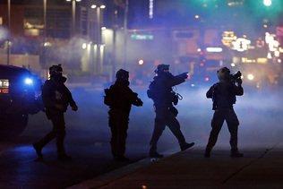 """Extrémistes inculpés pour """"incitation à la violence"""" à Las Vegas"""