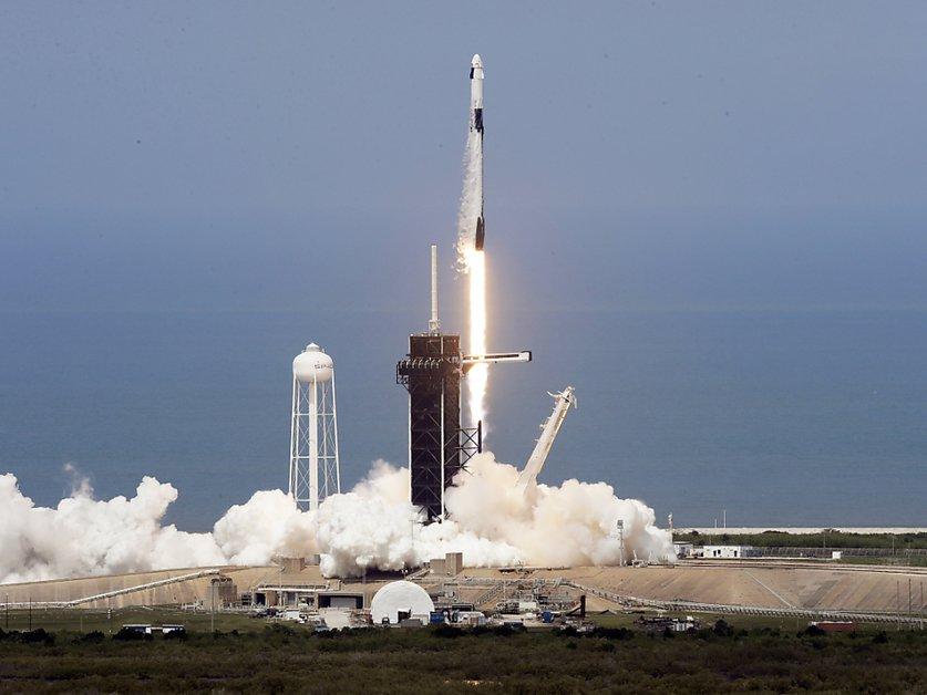 SpaceX a lancé deux astronautes dans l'espace