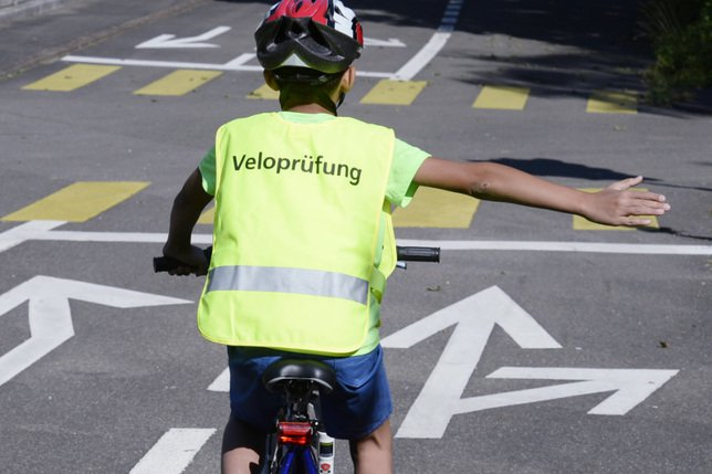 Se rendre à l'école à vélo plutôt qu'à pied