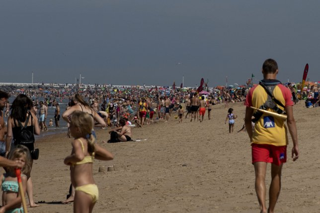 Des stations du littoral belge interdisent le tourisme d'un jour