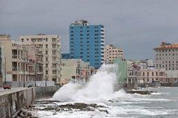 Bientôt ouragan, la tempête Laura traverse Cuba