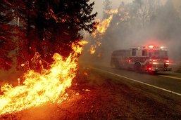 Evacuations massives face aux incendies dans l'Ouest américain