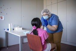 Covid-19 à Fribourg: plus de tests mais moins de cas
