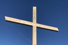 Une nouvelle croix au sommet de la Dent-de-Lys