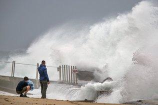 L'ouragan Isaias se dirige vers la côte Est des Etats-Unis
