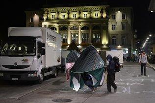 Place fédérale: les manifestants sont toujours là