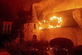 Californie: les vignobles de la Napa Valley dévorés par les flammes
