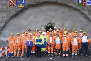 Le tube nord du tunnel du Riedberg est percé dans le Haut-Valais