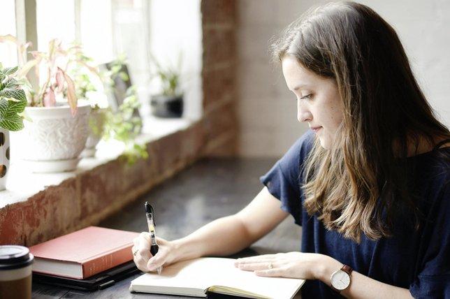 Ecrire à la main dynamise le cerveau