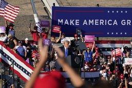 La campagne de Trump et Biden dans les Etats-clés se tend davantage