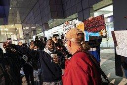 Présidentielle: manifestations calmes à New York, tension à Detroit
