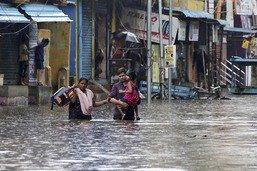 Le cyclone Nivar s'abat sur la côte Sud-Est de l'Inde