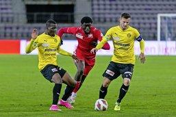 Giovani Bamba pose sa première marque