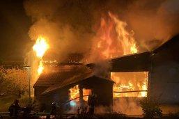 Incendie dans une menuiserie à Neirivue
