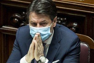 L'Italie renforce les restrictions après un nombre record de cas