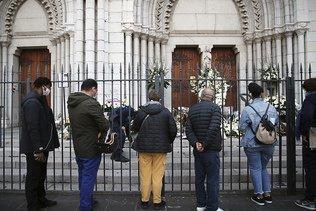 Attaque de Nice: quatre hommes en garde à vue, l'enquête continue