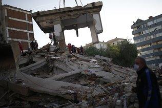 La Turquie recherche des survivants après un séisme