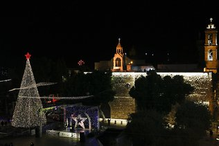 Cisjordanie: Bethléem illumine son sapin de Noël sans public