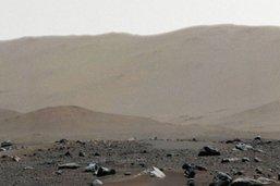 Cliché panoramique de Mars pris par le rover Perseverance
