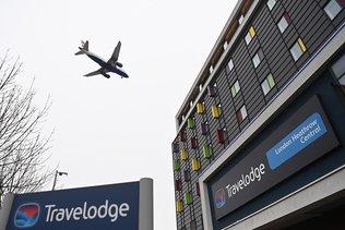 Londres impose une quarantaine à l'hôtel pour les arrivées