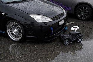 Pincé sans permis au volant d'une voiture surgonflée